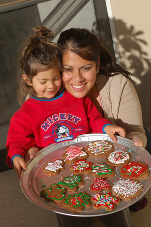 121408-gingerbread-men-50.JPG