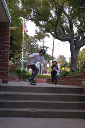061009-skateboardin-99.jpg