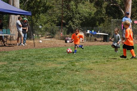 logans-1st-soccer-game-15.jpg