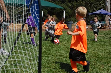 logans-1st-soccer-game-16.jpg