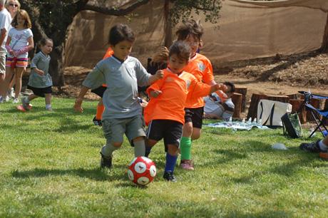 logans-1st-soccer-game-6.jpg