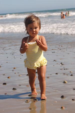 082210-beach-babe-19.jpg