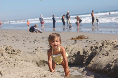 082210-beach-babe-2.jpg